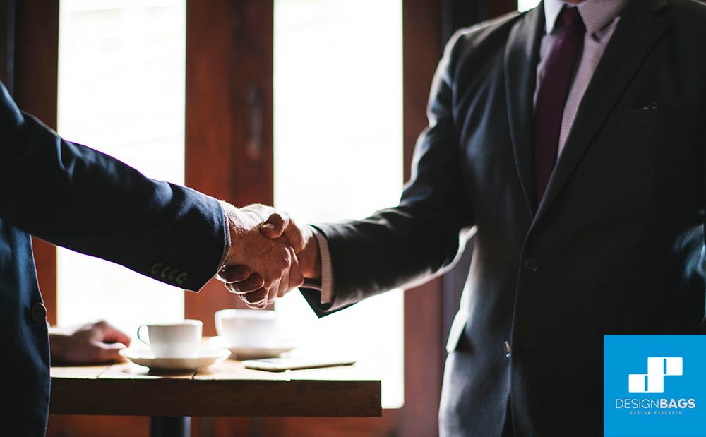 Consejos y ejemplos para escoger tus regalos de empresa perfectos